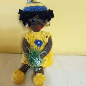 Os muestro esta preciosa muñeca África realizada toda a mano. El material utilizado es algodón 100% y tejida en ganchillo.